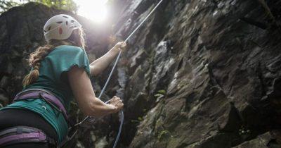 Formación en escalada deportiva. Su objetivo es entregarte los conocimientos necesarios para poder liderar en una salida.